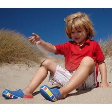 Летняя обувь и детские спортивные уголки