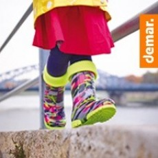 Демисезонная обувь и детские спортивные уголки
