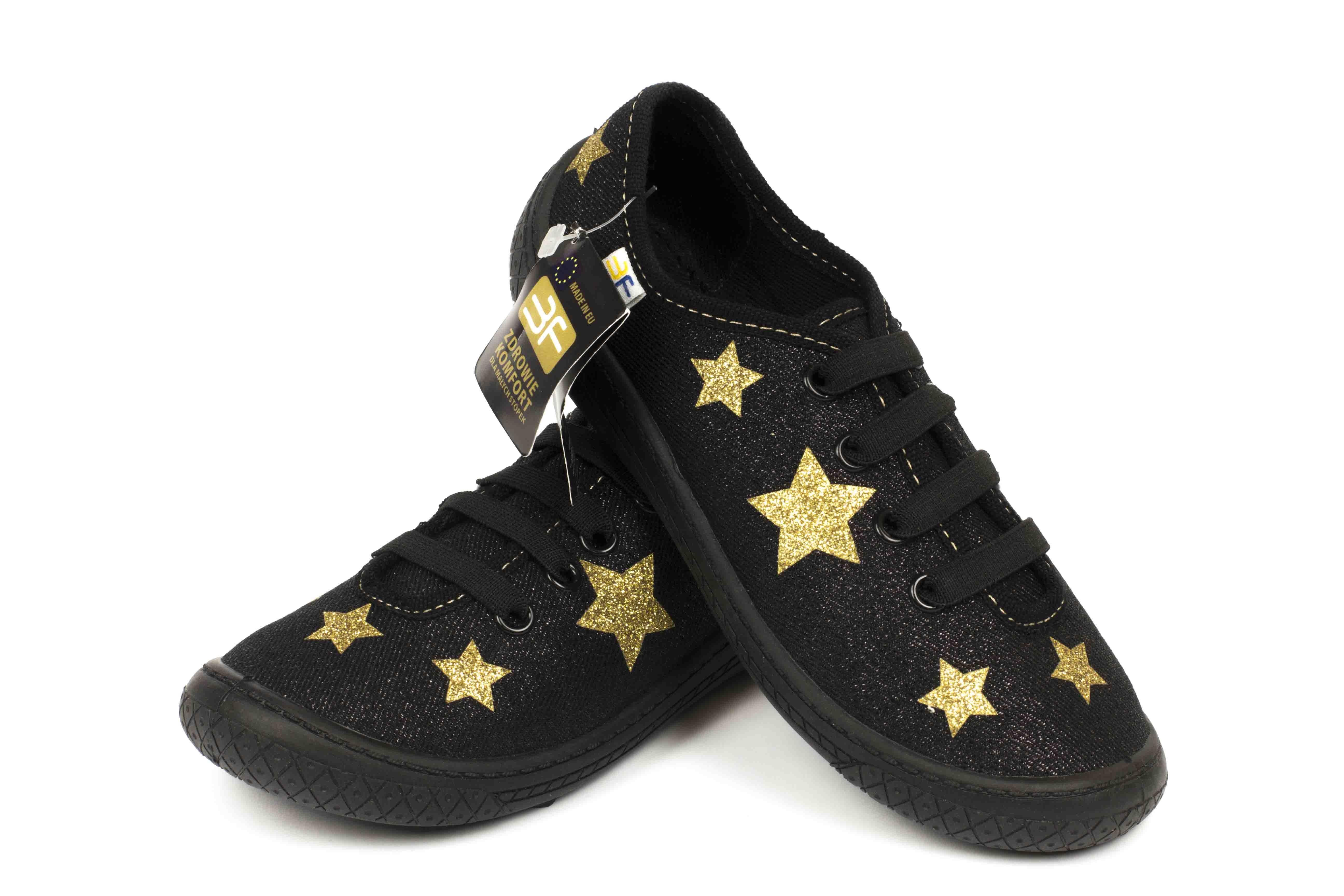 черные детские кеды со звездочками