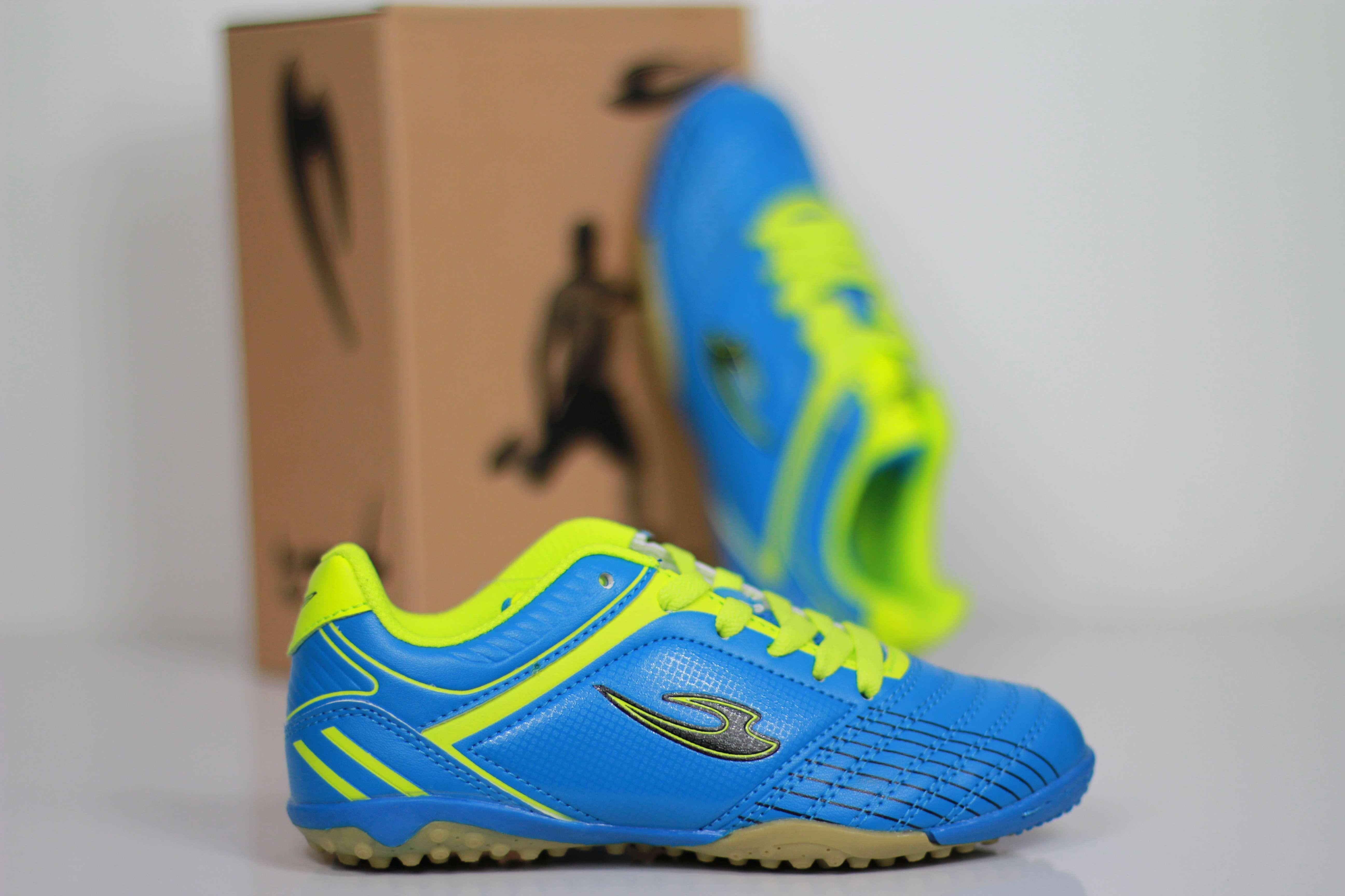 детская футбольная обувь Lancast